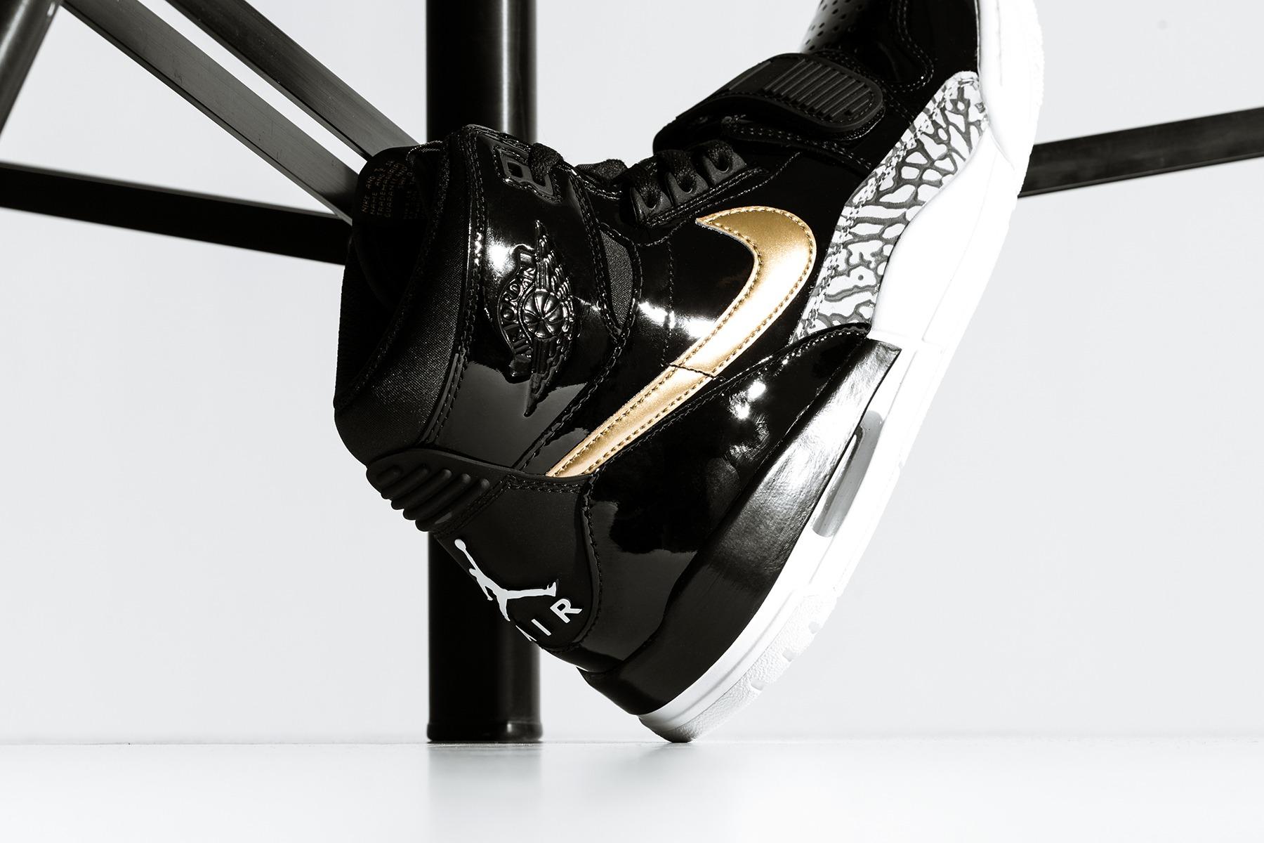 af61b0377394cb Air Jordan Legacy 312 in Black   Metallic Gold - EUKICKS