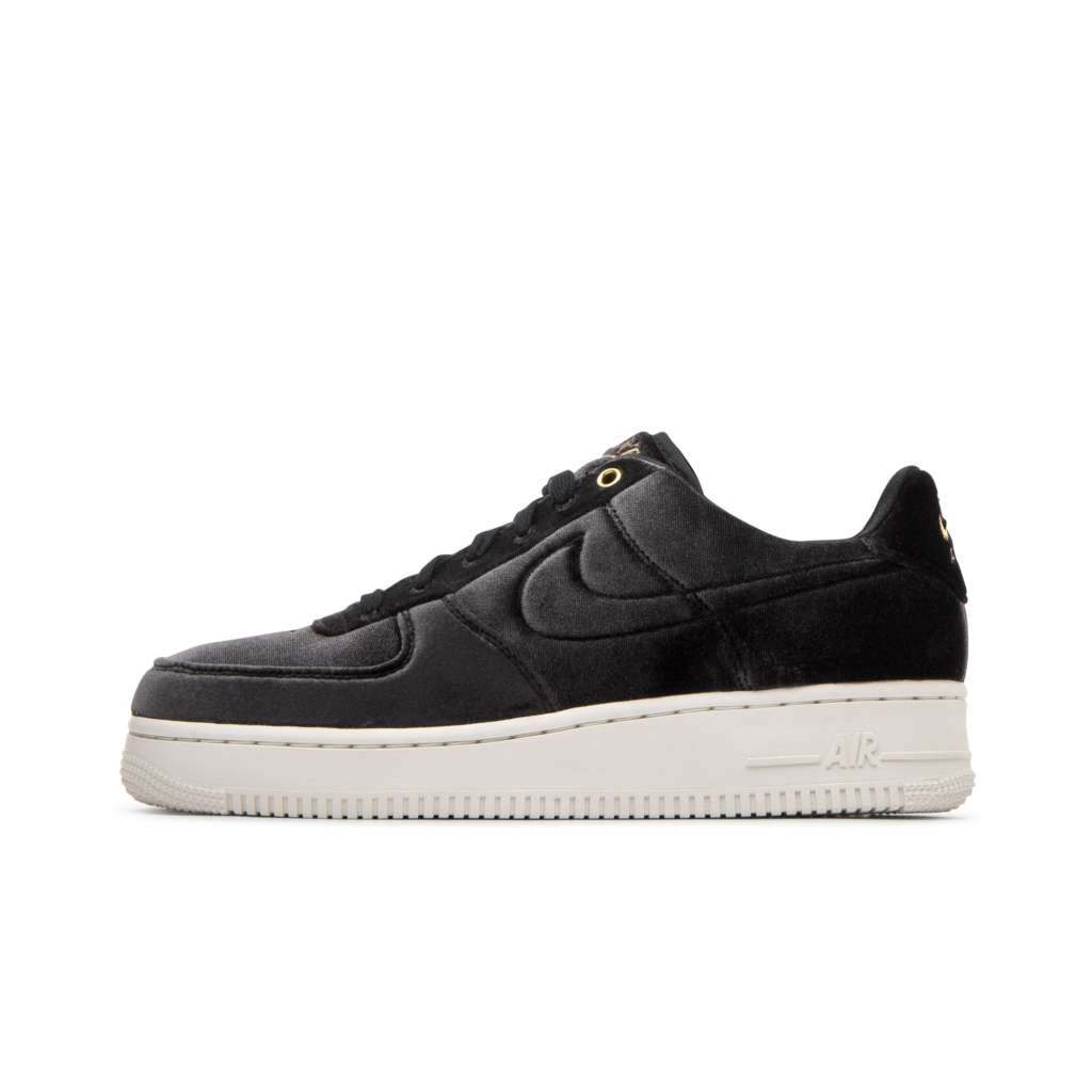 designer fashion fec32 6f6fe Nike Air Force 1 07 Premium in Black and Metallic Gold - EUK