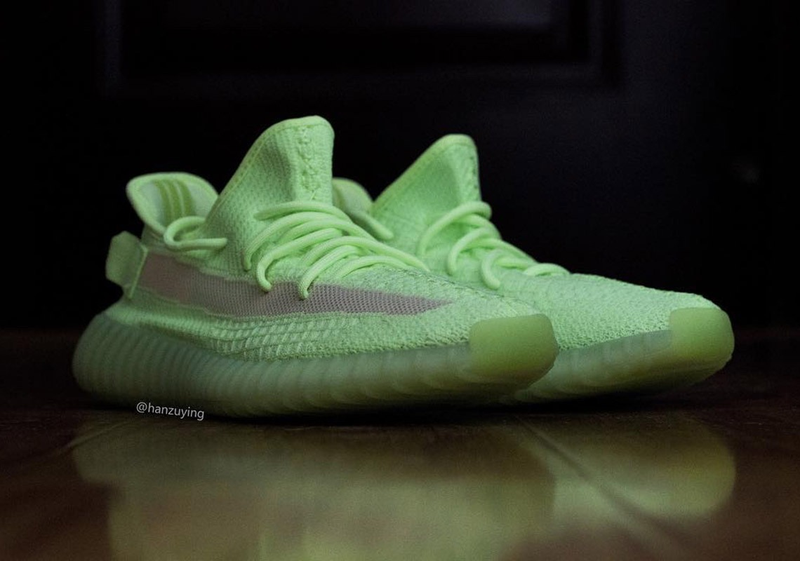 """256dee8bed125 """"Glow in the Dark"""" adidas YEEZY BOOST 350 V2   11 Picture Preview - EUKICKS"""
