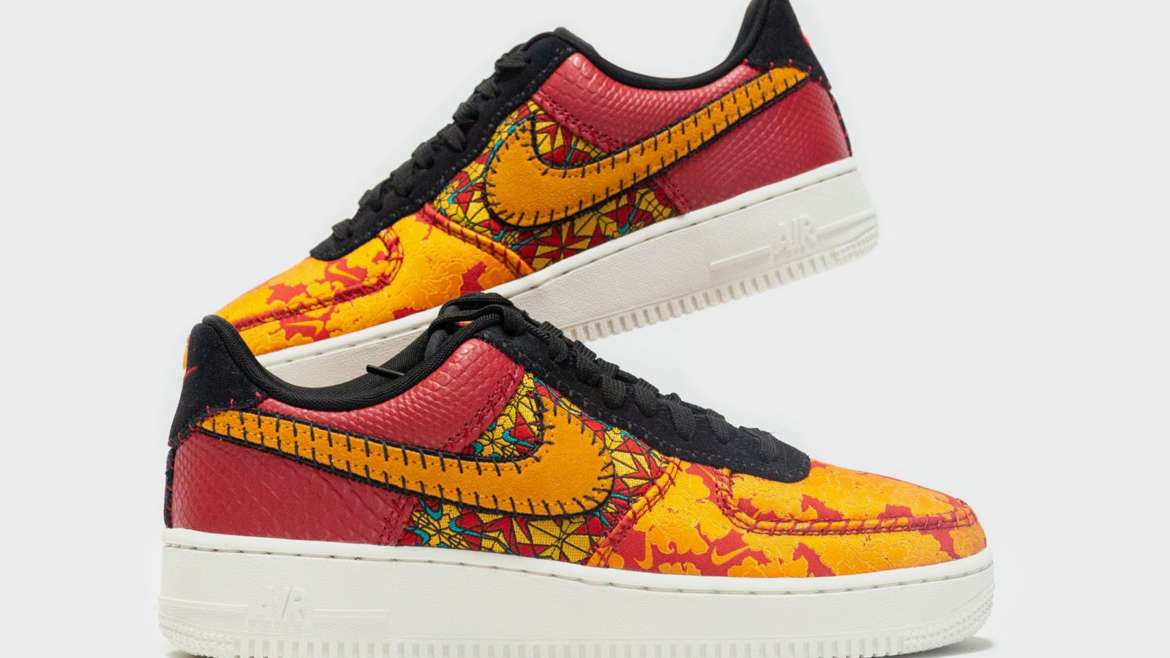 ff781592f43297 Nike Sportswear is working with multiple textures and patterns to style its  latest Air Force 1 release. The drop features an antique style floral  pattern on ...