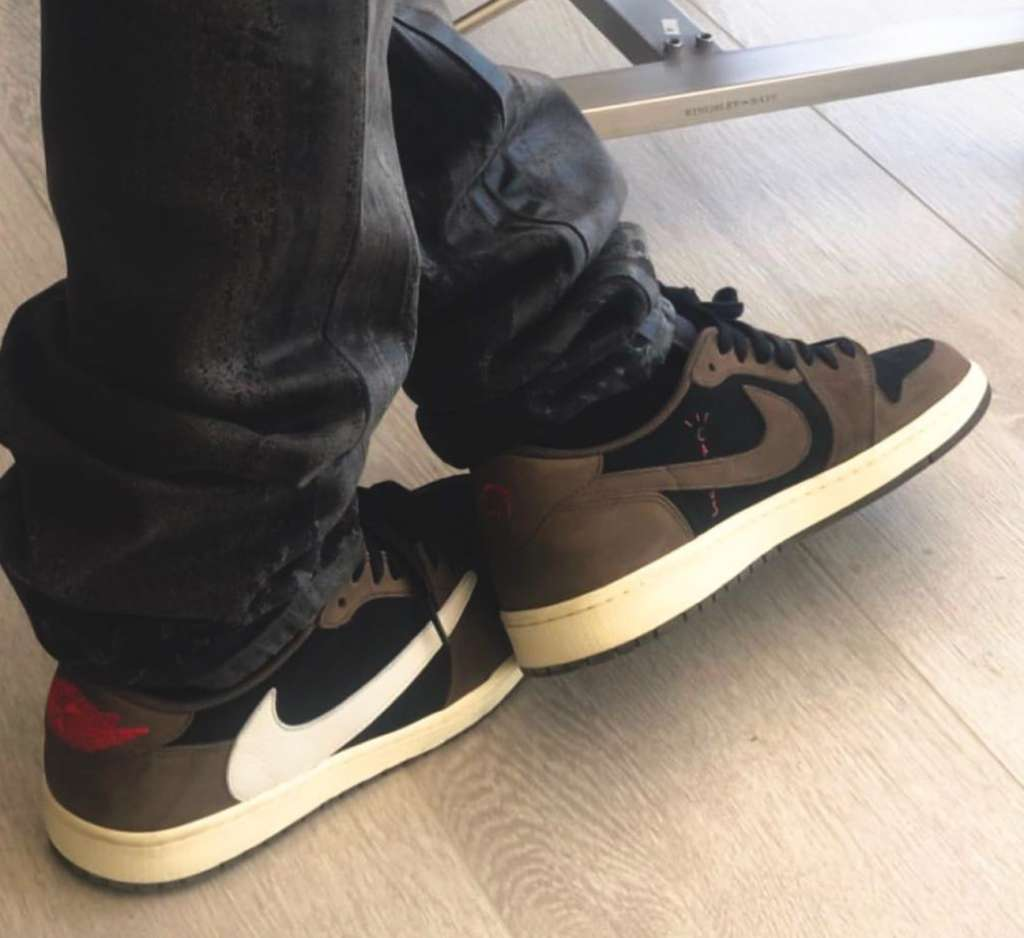 cd0fb4d208de93 Speculation has it that the Travis Scott x Air Jordan 1 Low will release in late  summer or possibly early autumn.