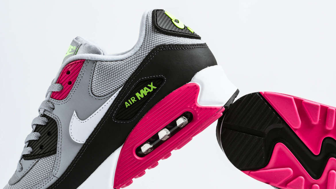 timeless design 3a354 e2f21 If you are looking to pick-up an edition of the Nike Air Max 90 Essential,  you have plenty of options this season. Recently, we highlighted two, ...