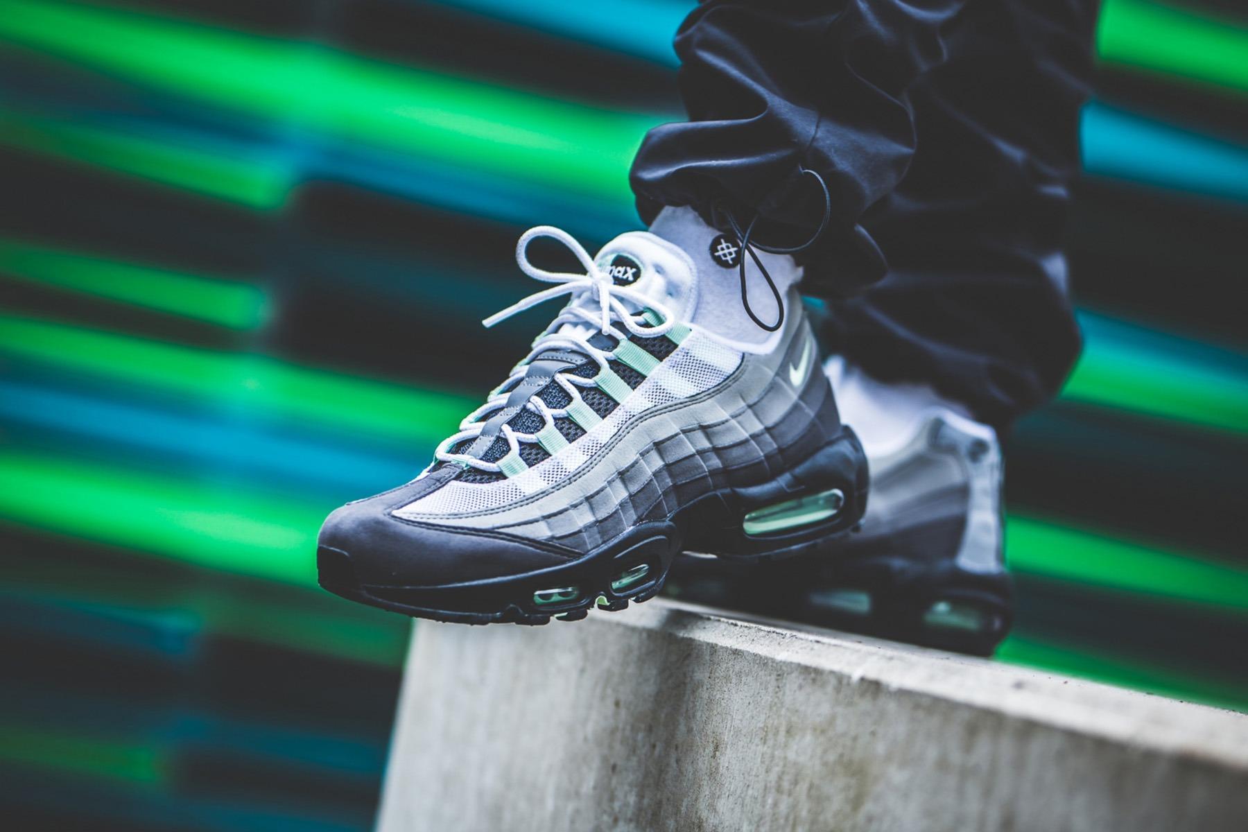 Nike Air Max 95 in Military Green Tones OG EUKicks Sneaker